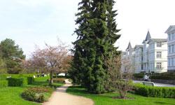 Promenade mit den Hotels in Zinnowitz